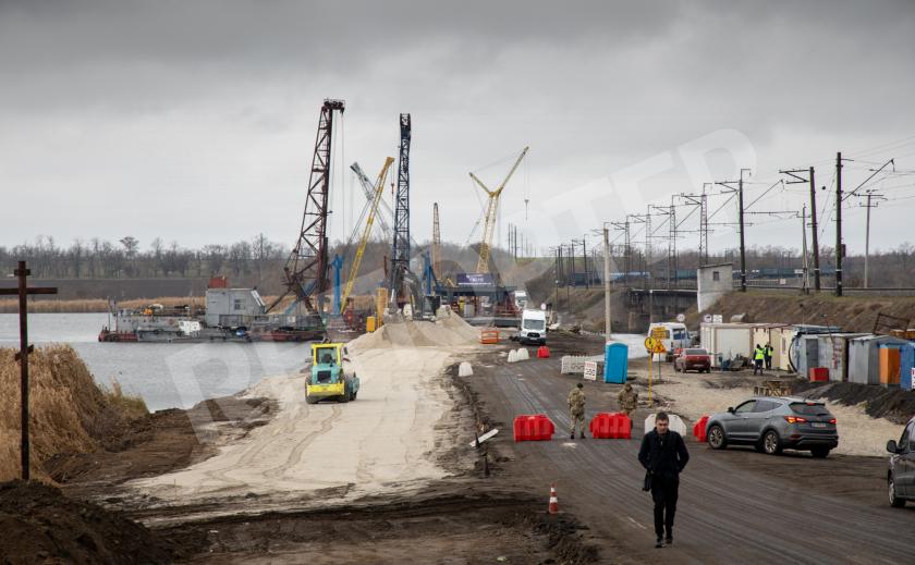 Под Никополем восстанавливают мост через Чертомлык