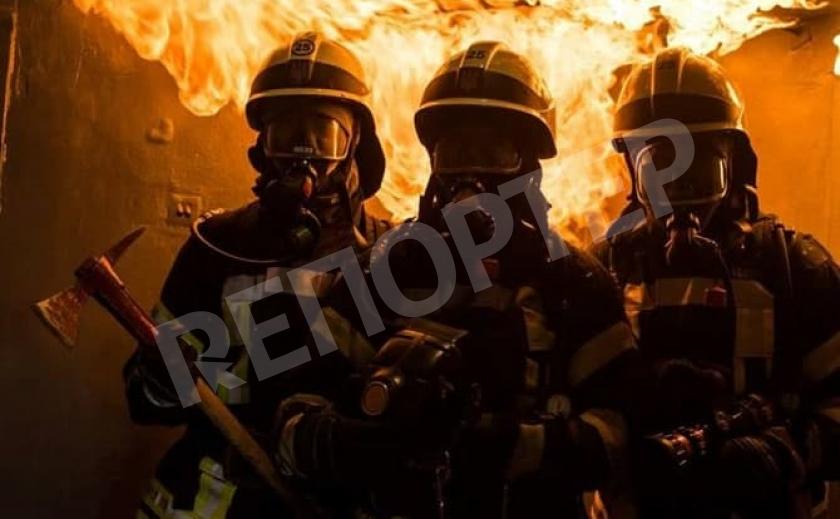 Никопольские пожарные выезжали на ночное происшествие