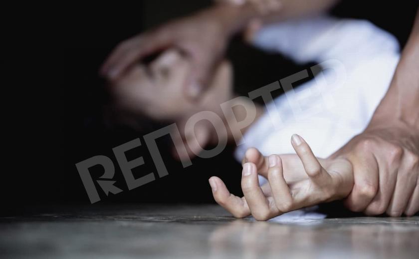 Юная марганчанка стала жертвой насильника