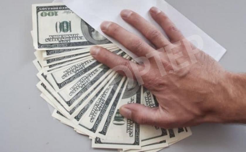 В Никополе фирмач «спионерил» бюджетные деньги