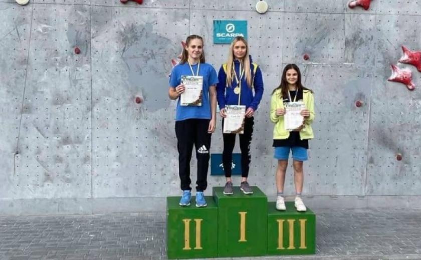 Алина Щигарева из Никополя стала обладательницей Кубка Украины по скалолазанию на скорость