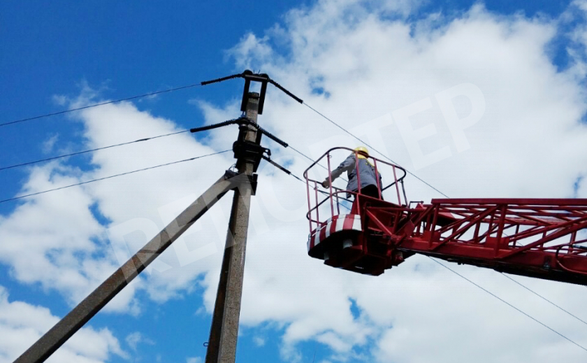 Как в Никопольском районе электрики защищают птиц