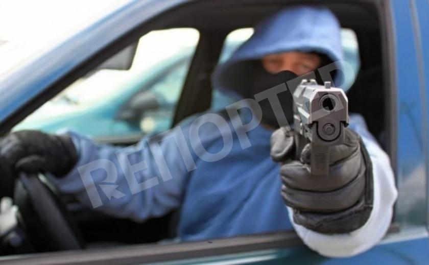 В Никополе убийца в упор расстрелял пассажира, а затем ограбил его